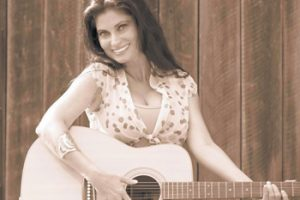 Fayetteville Ladies Power Lunch features musician KasCie Page
